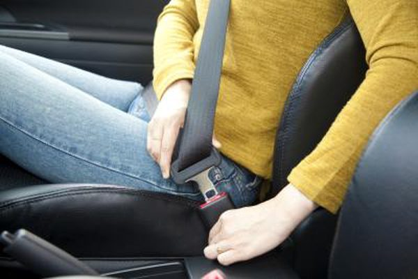 How Buckling Up a Seat Belt Can Save Your Life While Driving