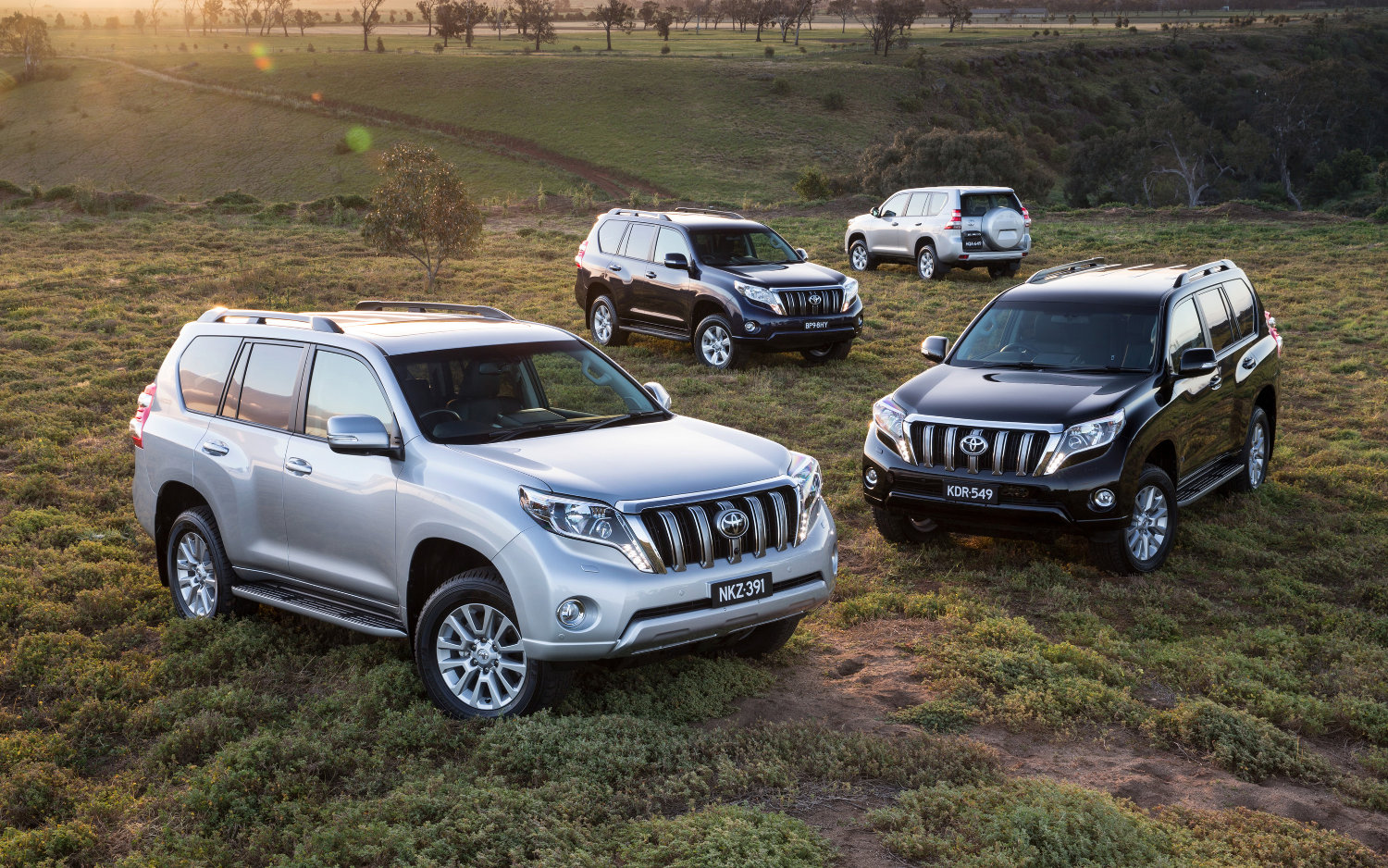 Toyota Land Cruiser VS Toyota Land Cruiser Prado