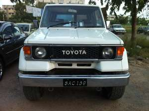 Toyota LAND CRUISER Price in Pakistan, Images, Mileage ...