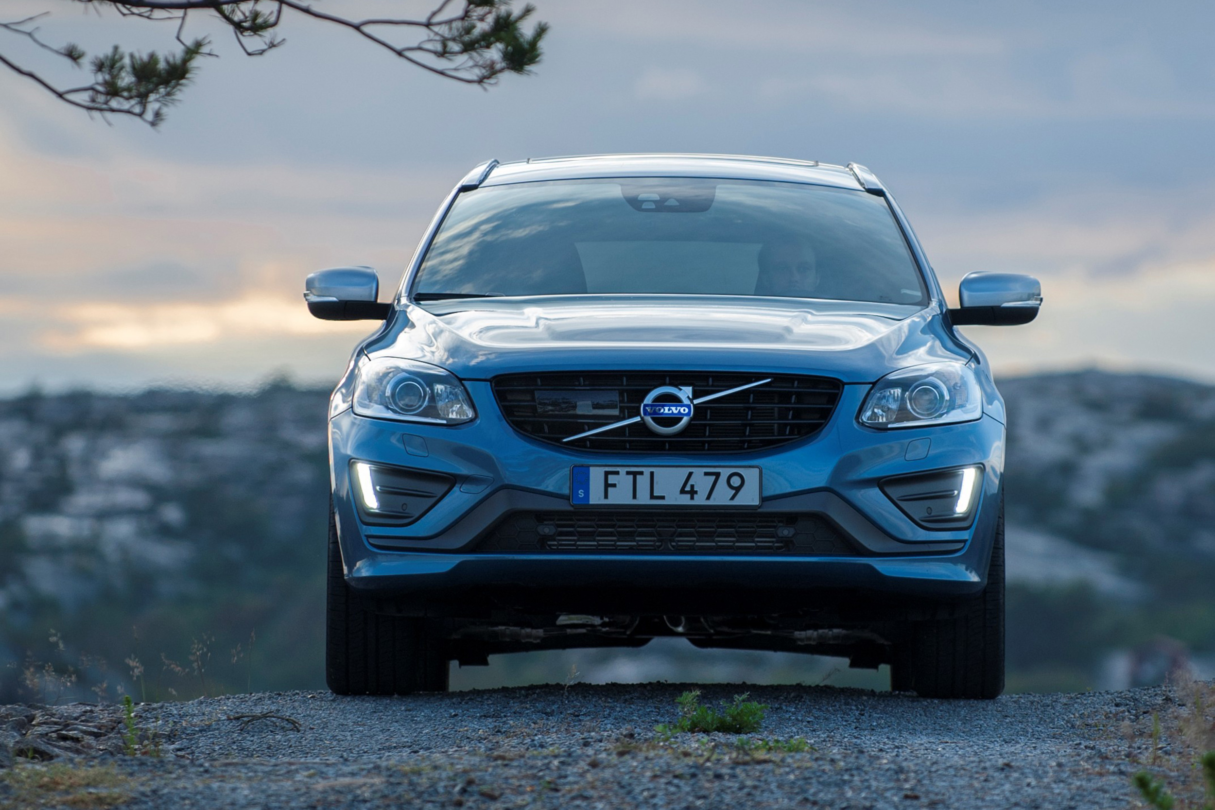 price buyacar review buying hatchback volvo best guide bg ftq prices deals dynamic present and