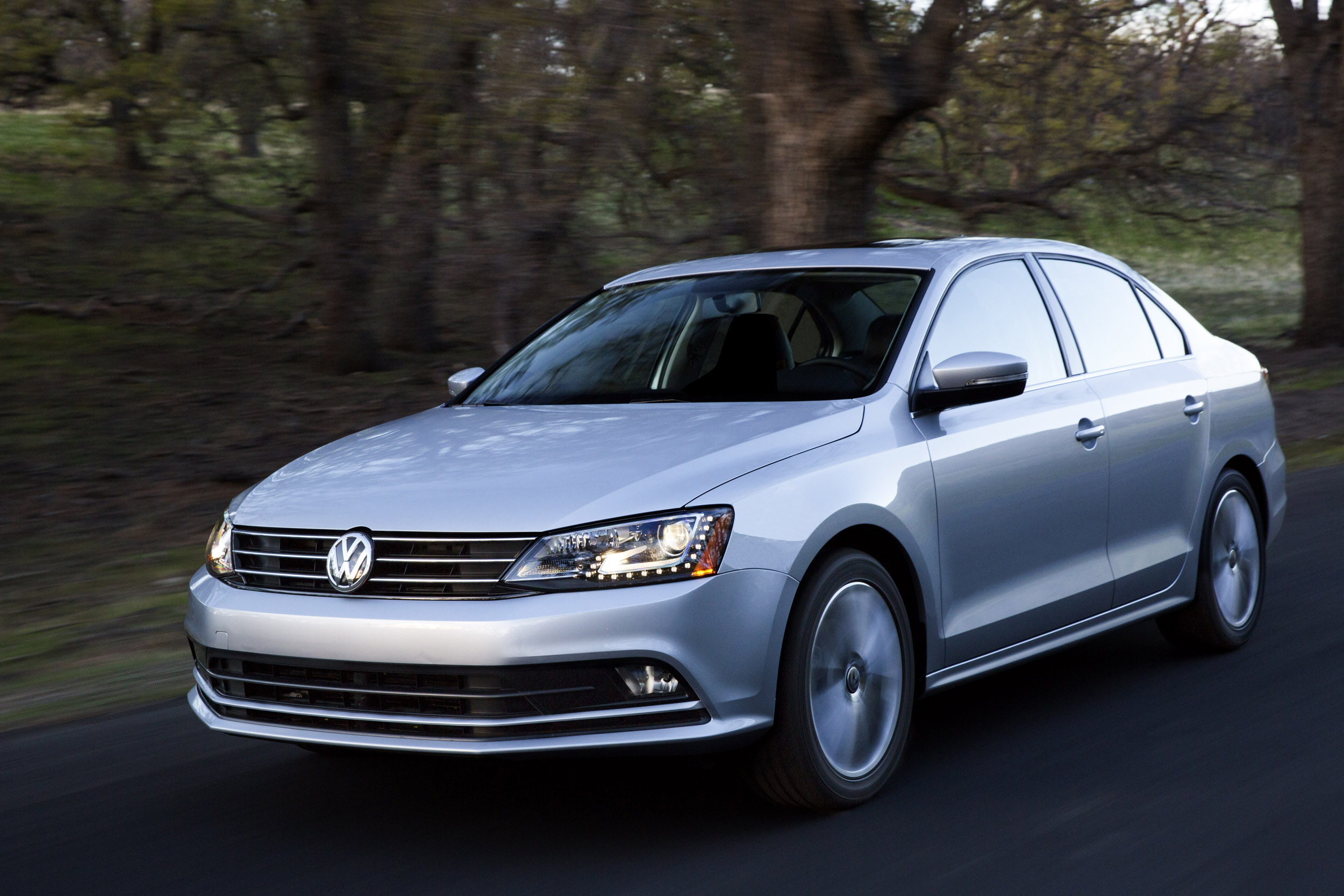 launched each units jetta volkswagen limited sport club price edition
