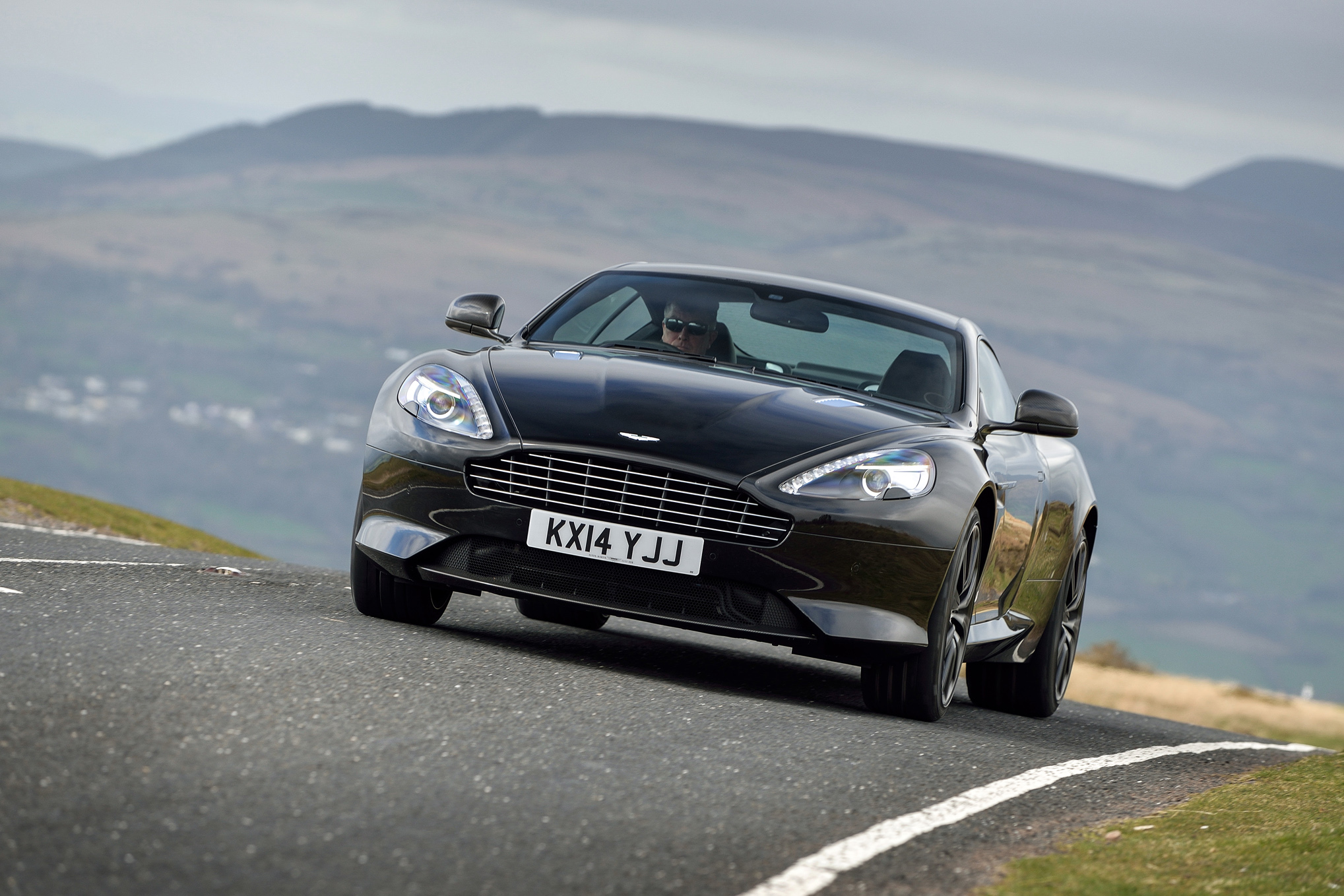 Aston Martin Db9 Coupe Touchtronic 2015 International Price Overview